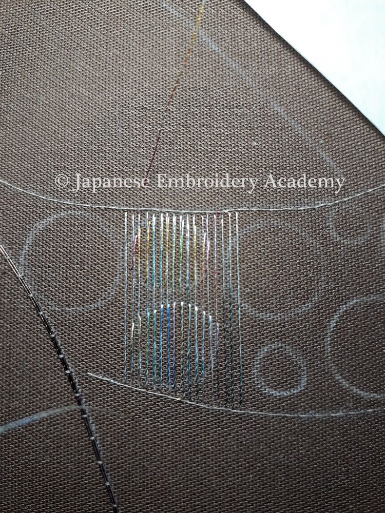 Japanese embroidery - fuzzy circles step 3